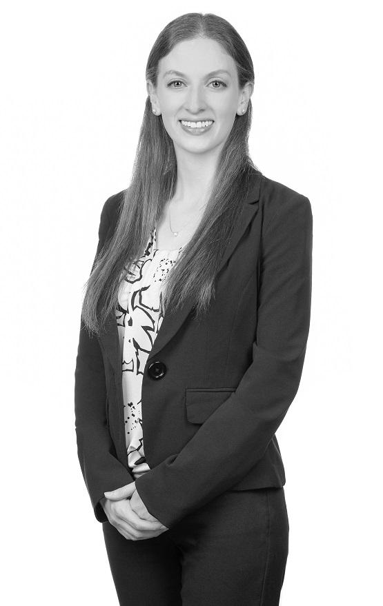 attorney-daniela-abratt
